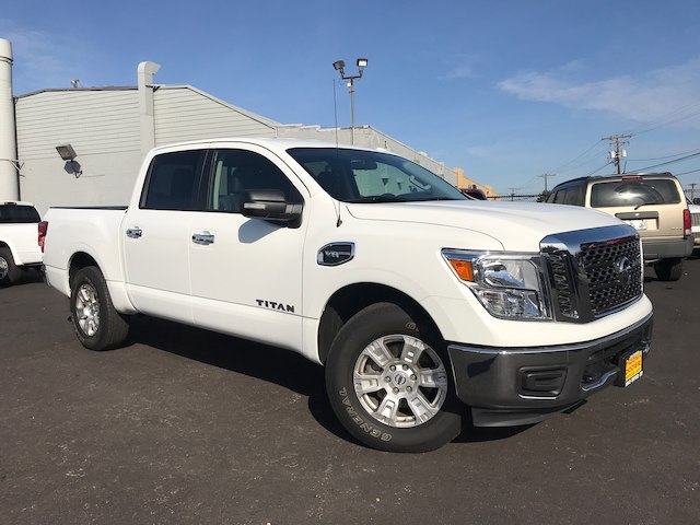 Pre Owned 2017 Nissan Titan S Truck In Tacoma 40072 Tacoma Dodge